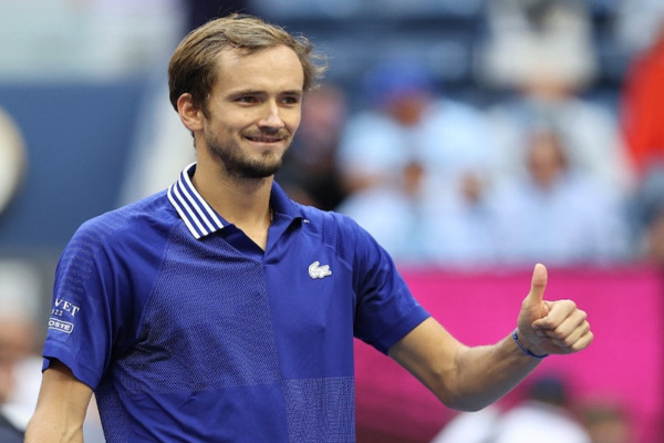 Medvedev sails into third round with commanding win at Indian Wells