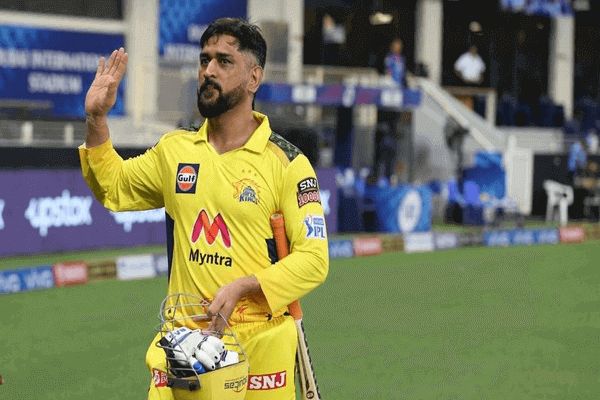 MS Dhoni become first captain to lead in 300 T20 matches