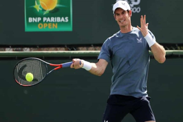 Andy Murray double faults as he loses his wedding ring and trainers
